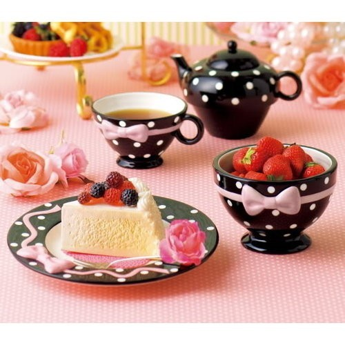 berries, black, bows, cake, flowers, fruit, gold, green, pearls, pink, polka dots, red, roses, strawberries, sweet, tart, tea, tea pot, tea time, teacup, white
