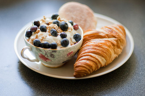 berries, blue berries, breakfast, croissant, food