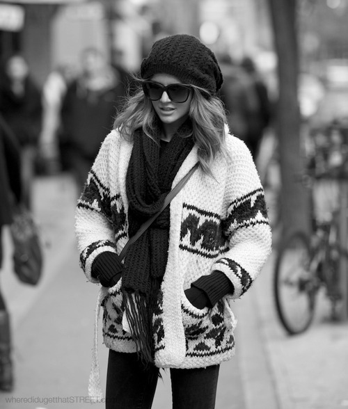 black and white, blonde, clothes, fashion, glasses, gluves, hot, jacket, jeans, mode, model, photography, purse, scarf, snow, straight hair, street, sun glasses, winter