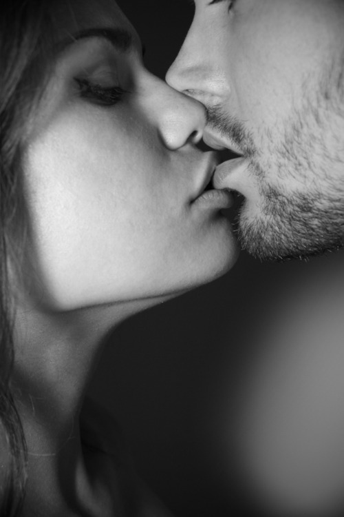 black and white, couple, cute, kiss, romantic