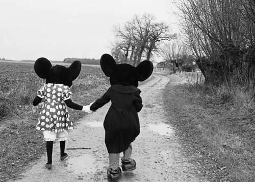 black and white, couples, cute, disney, love, mickey, minnie, photograph, vintage