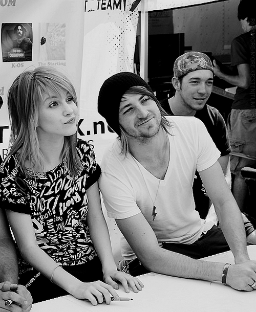 black and white, cute, hayley williams, jeremy davis, paramore