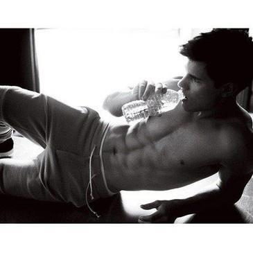 black and white, hot, sooooooo sexy!, taylor lautner