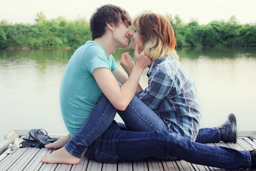 blonde, boy, boyfriend, bruntte, couple, girl, girlfriend, just love, kiss, lake, love, sweet