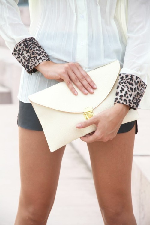 blouse, clutch, envelop clutch, fashion, girl, legs, leopard print, model, photography, street fashion, street style, white, white blouse, white clutch