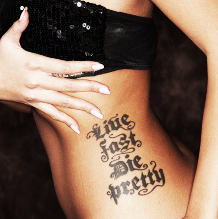 body, bra, girl, glitter, live fast die pretty, motto, nails, sequin, style, tattoo, woman