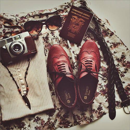 book, camera, cute, fashion, glass, hipster, indie, outfit, oxford, photografy, shoes, vintage
