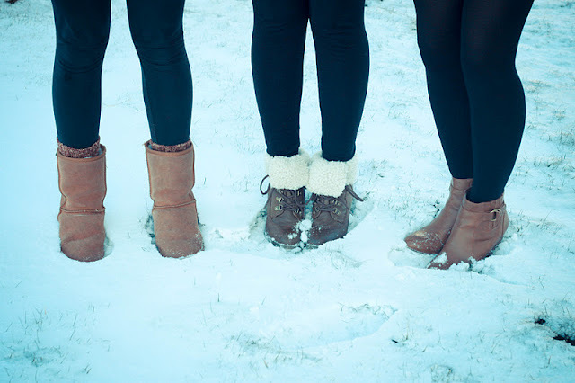 boots, friends, leg warmers, leggings, shoes