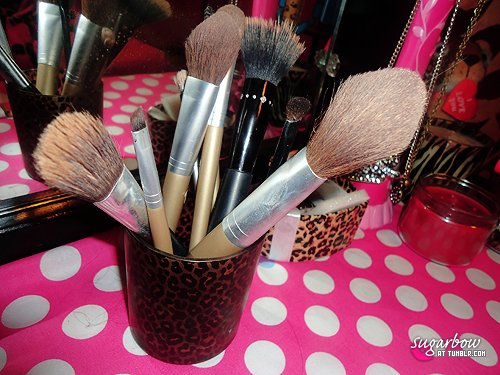 brush, girly, make up, polka dots, pretty