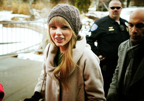 candid, coat, hat, taylor swift, winter