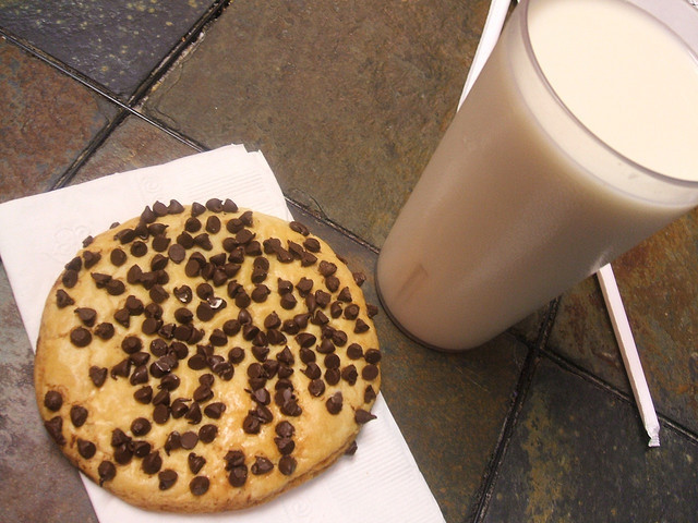 chocolate, chocolate chips, cookie, food, horchata