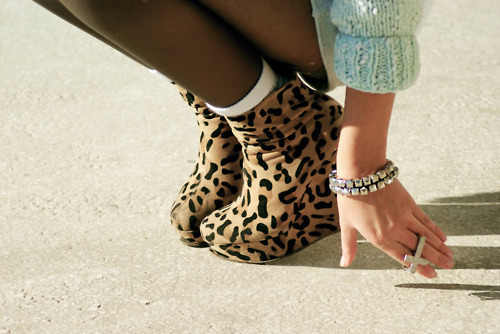 cross, design, fashion, girl, hand, high heel, jumper, legs, leopard, pattern, ring, shoe, socks