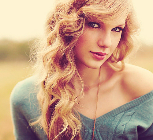 curly hair, hair, hairstyle, taylor swift