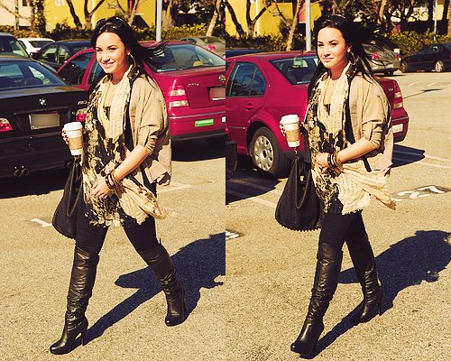 cute, demi lovato, pretty, starbucks