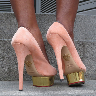 Volim zlatno - Page 3 Dreamshoes-girly-gold-golden-heels-Favim.com-449745