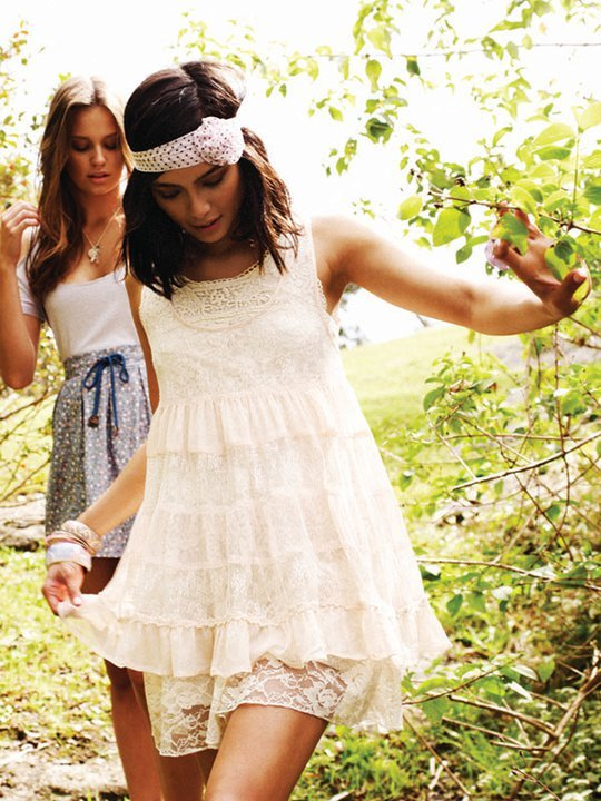 dress, fashion, friends, headband, necklace