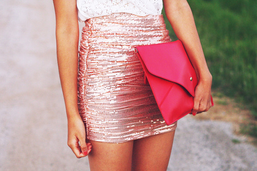 envelop clutch, fashion, girl, glitter, lace, lace top, legs, mini skirt, para pambam, pink, pink sequins, sequins, skirt, street style