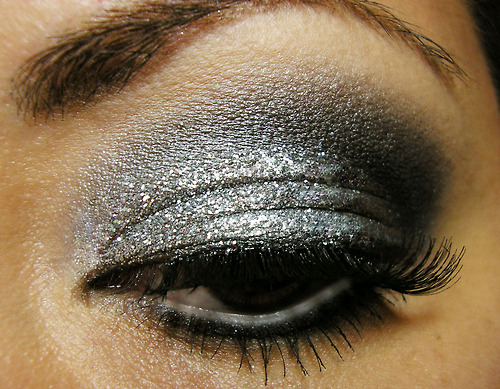 eye, eyes, eyeshadow, glitter, gray, makeup, silver, smokey, smokey eyes