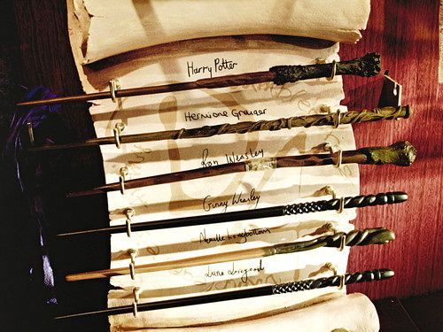 harry potter, hogwarts, potterheads, signatures, wands
